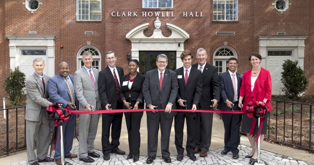 Ribbon cutting at ceremony